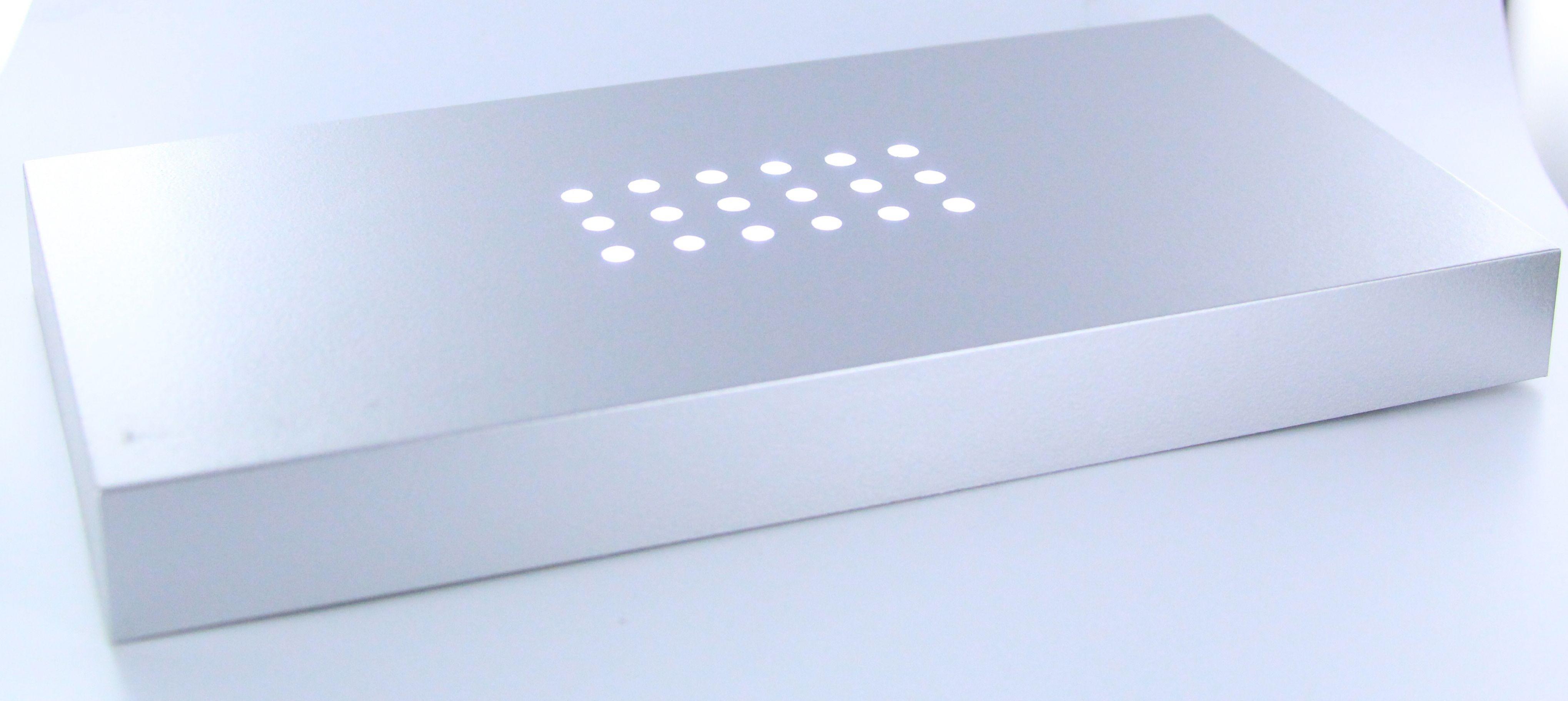 LED LEUCHTSOCKEL   18 weiße LED   200x100x20mm   Farbe Silber