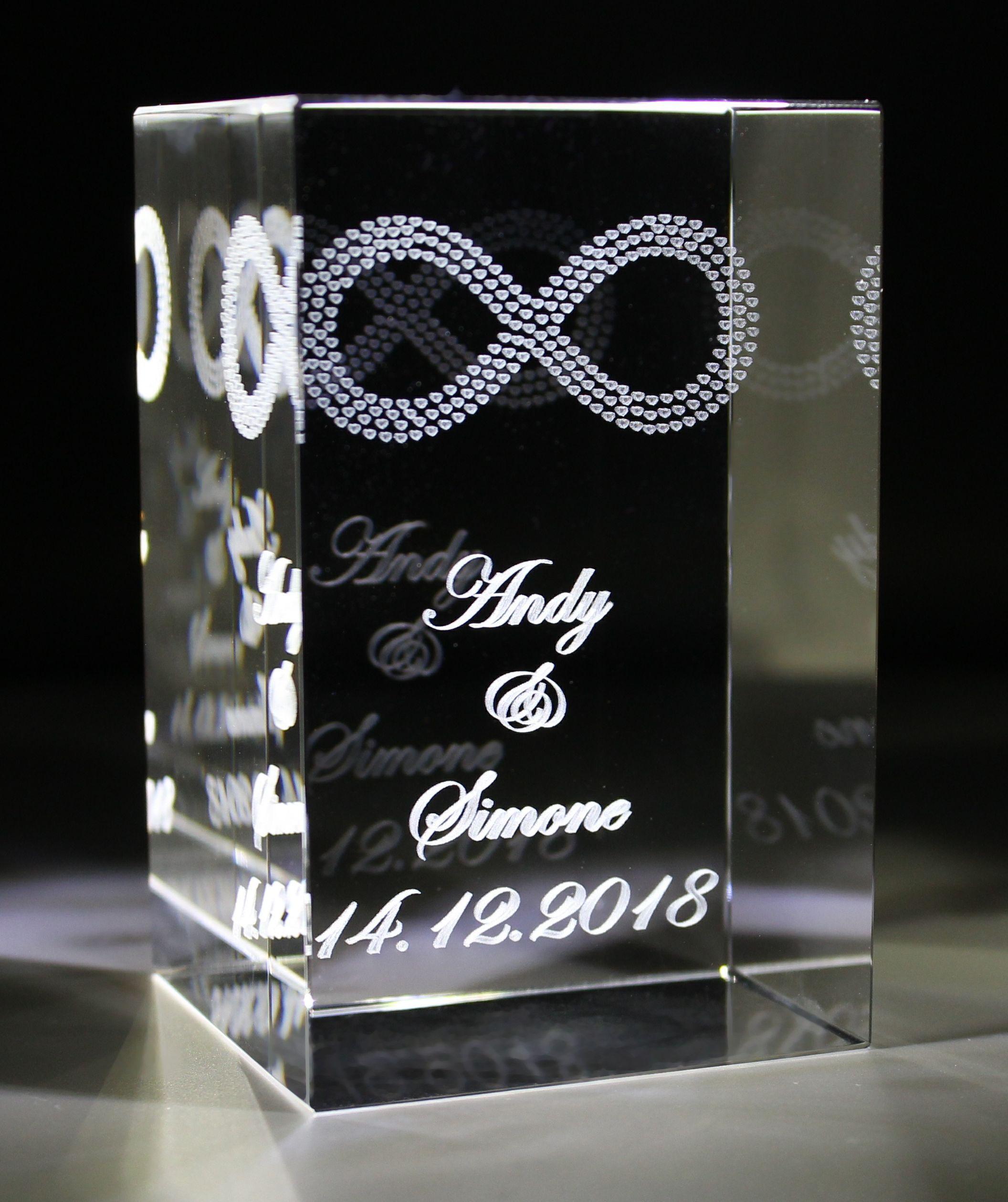 3D Glasquader   Unendlichkeitszeichen aus Herzen + Wunschgravur