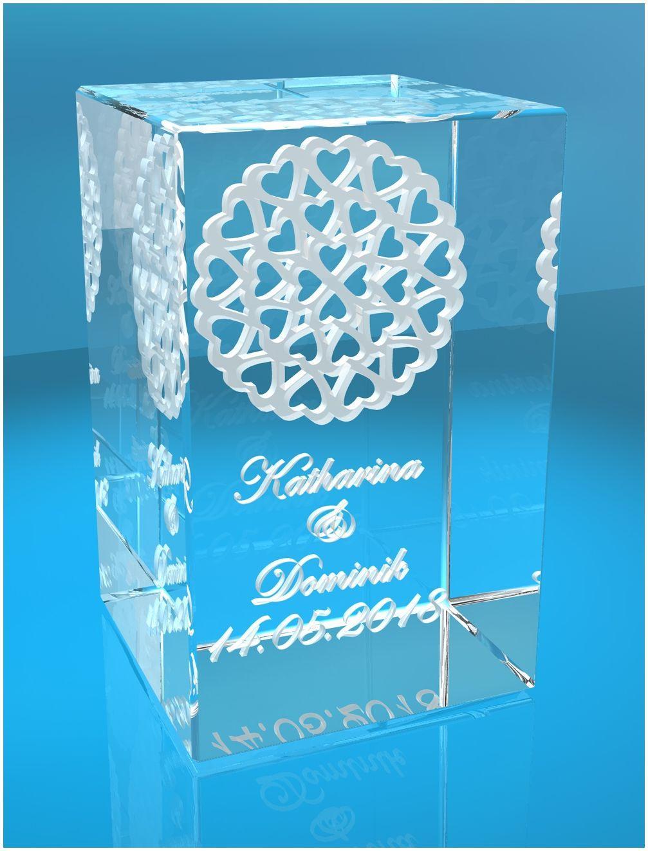 3D Glasquader   viele Herzen im Kreis   Name + Datum